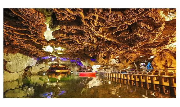 ارائه خدمات مجتمع سیاحتی غار علیصدر با ارائه تخفیف ویژه اعضا سازمان